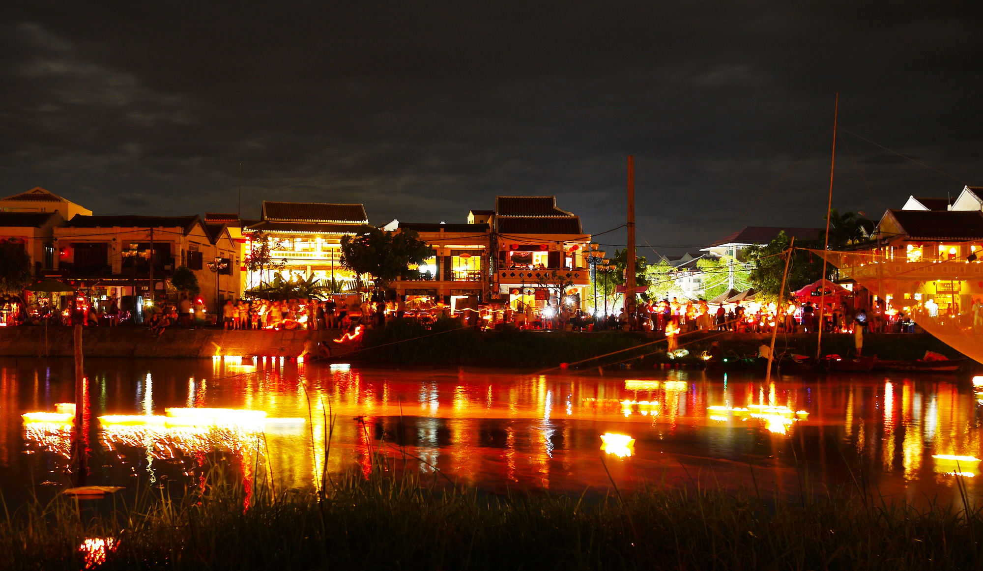 Hoi An's Full Moon Lantern Festival | Sol's Out of ...